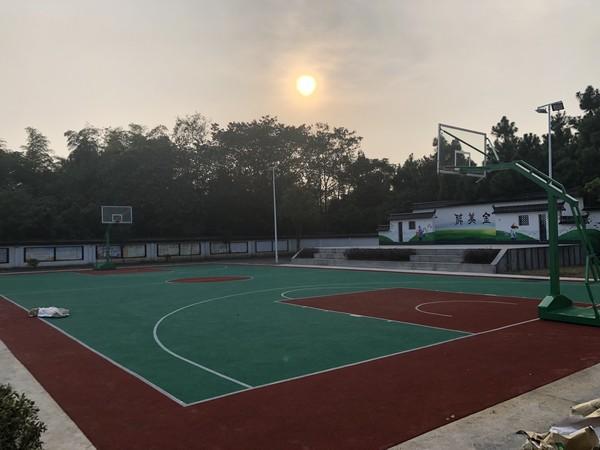 篮球场.png