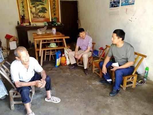 广德县农机局走访慰问贫困户